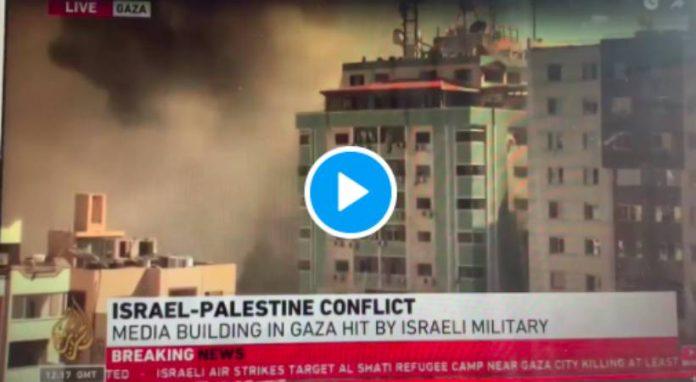 Israël bombarde les bureaux d'Al Jazeera à Gaza - VIDEO