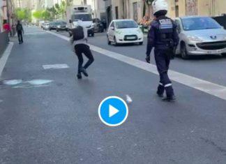 Marseille un policier en moto fonce sur un lycéen de 16 ans - VIDEO