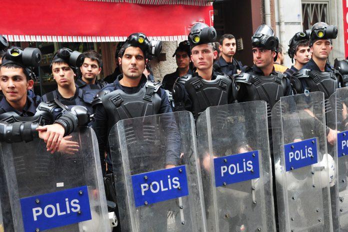 Le suicide des policiers explosent en Turquie