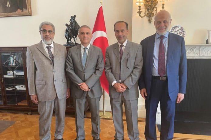 Une délégation palestino-musulmane rencontre l'ambassadeur de Turquie à Londres