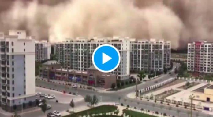 Chine la ville de Dunhuang disparaît sous une gigantesque tempête de sable - VIDEO