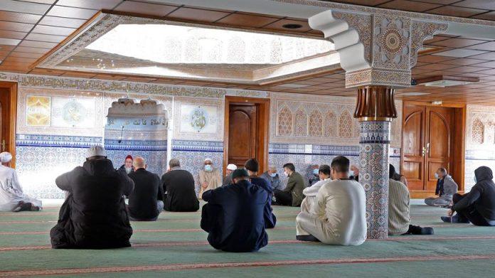 Le préfet sanctionne la mosquée de Noisy-le-Grand pour son soutien à BarakaCity | alNas.fr