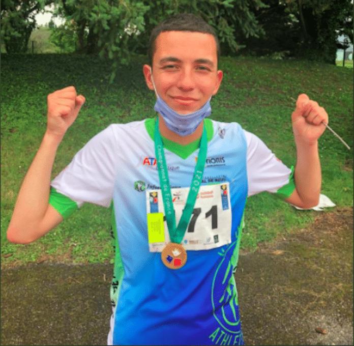 Yanis remporte le championnat de France d'athlétisme de sport adapté