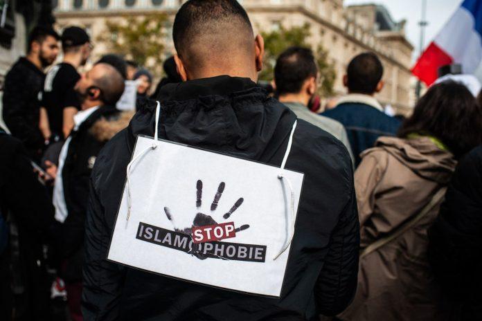 Islamophobie : les violences ciblant les musulmans en hausse de 52% en France