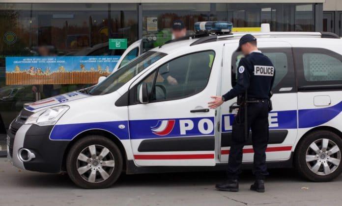Mantes-la-Ville - un homme vole dans la caisse de la mosquée