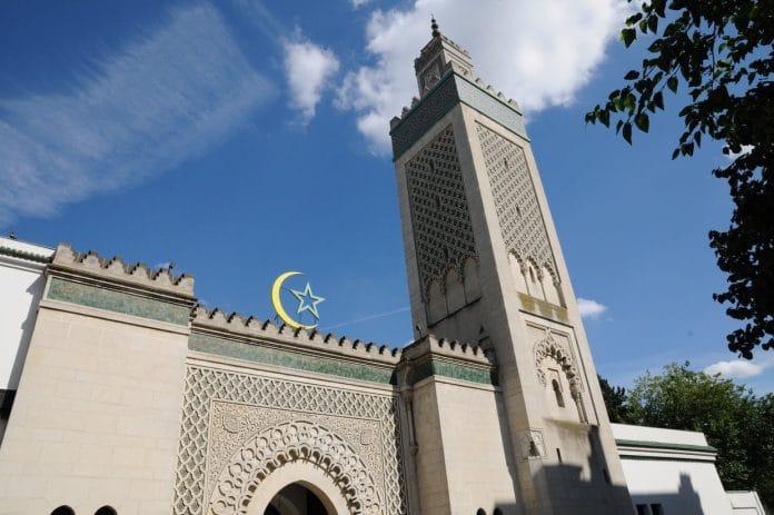 Mosquée de Paris - L'Algérie demande à ses imams détachés en France de défendre leur pays