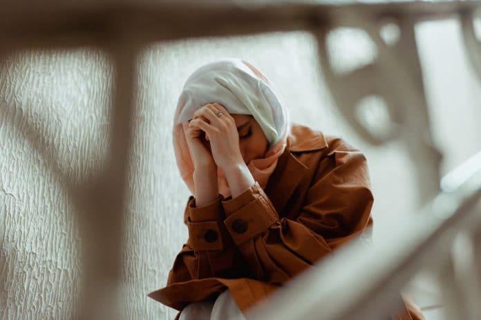 Royaume-Uni - Une employée d'une grande marque de biscuits renvoyée chez elle après avoir refusé de retirer son hijab