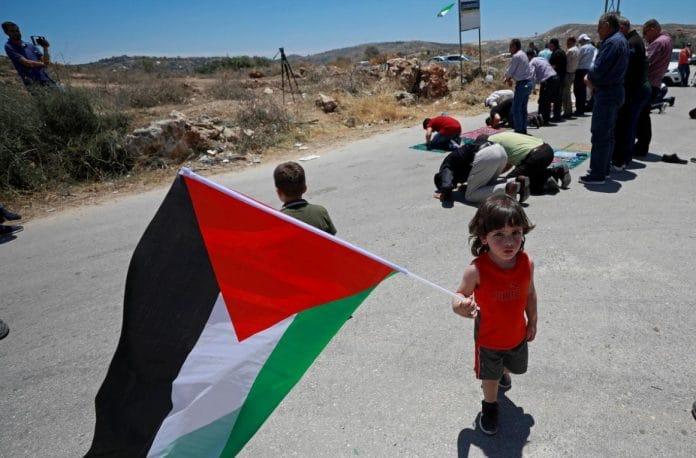 Un village palestinien s'engage à lutter jusqu'à ce que la terre soit rendue
