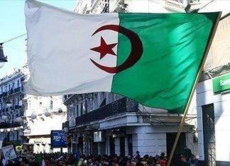 Algérie - deux ministères cessent d'utiliser le français dans la correspondance officielle