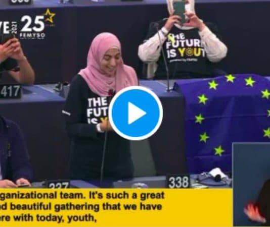 Hiba Latreche ovationnée au Parlement européen après son discours sur l'islamophobie - VIDEO