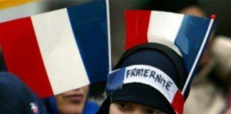 La majorité des Français pensent que les chrétiens blancs sont«menacés d'extinction» en raison des musulmans